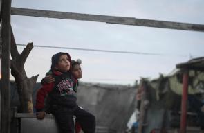 معاناة الاسر الفقيرة في غزة خلال فصل الشتاء