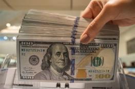 الدولار يستقر قرب أعلى مستوى أمام الشيكل منذ عام