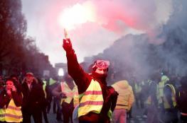 """آلاف المتظاهرين وخمسين مدينة فرنسية تنتفض ضد """"ماكرون """""""