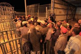 هآرتس : مقاولون اسرائيليون يستغلون العمال الفلسطينيين بطريقة بشعة