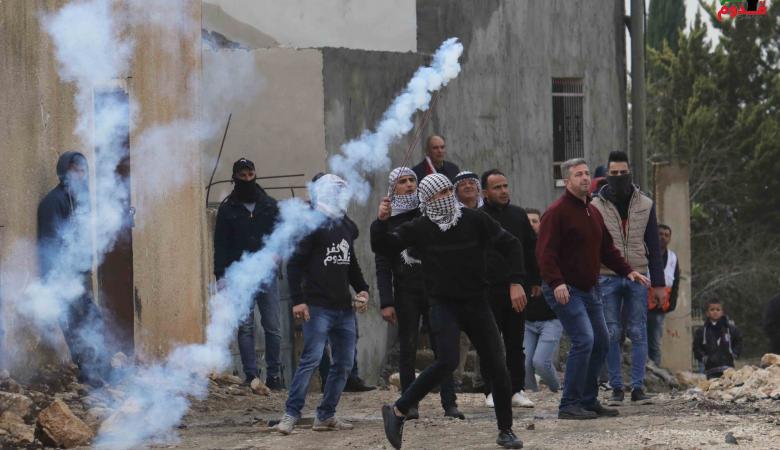اصابات في قمع الاحتلال لمسيرة سليمة في الضفة الغربية