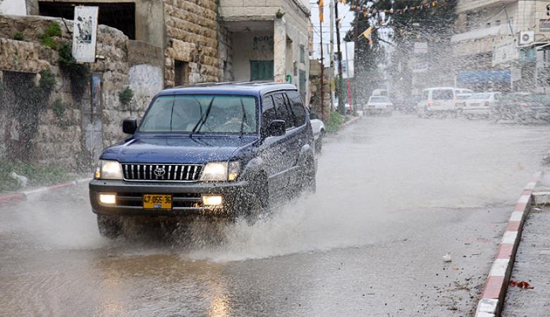 كتلة هوائية باردة قادمة محملة بالامطار تعبر فلسطين خلال اليومين المقبلين