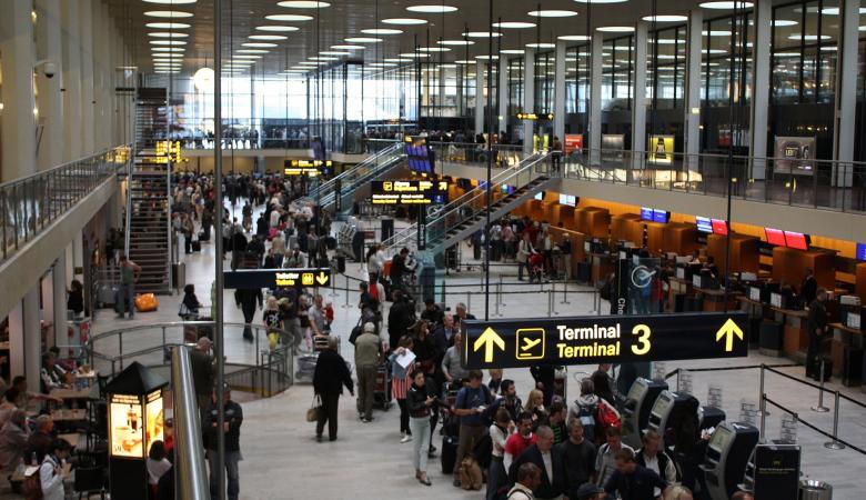 السلطات الدنماركية تغلق 9 بوابات بمطار العاصمة بعد تهديدات باستهداف طائرات تركية