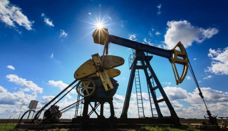 النفط يهبط بسبب التوترات التجارية