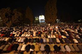 100 ألف مصل يؤدون صلاة العشاء والتروايح في رحاب المسجد الأقصى