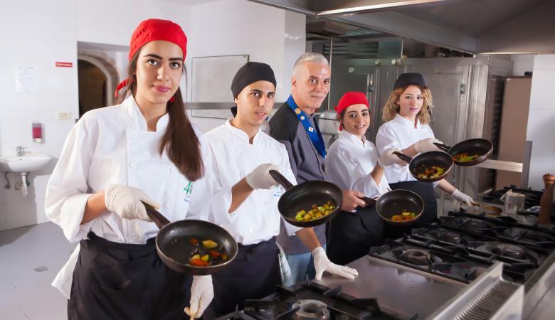 رام الله: ورشة لتدريب العاملين في المطاعم والفنادق على السلامة الغذائية