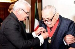 الرئيس يكرم أول مدير لمكتب منظمة التحرير في الكويت