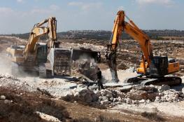 جرافات الاحتلال تهدم بنايتين قيد الانشاء شرق القدس