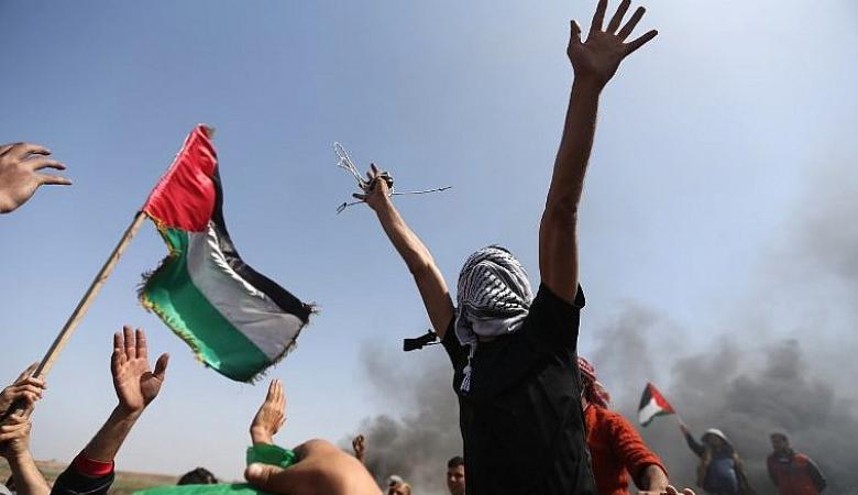 """المواطنون في غزة يستعدون لجمعة """"الحرية والحياة """""""