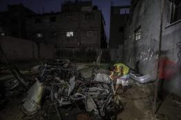 طائرة إسرائيلية تطلق صاروخاً اتجاه مركبة فلسطينة وتدمرها بالكامل
