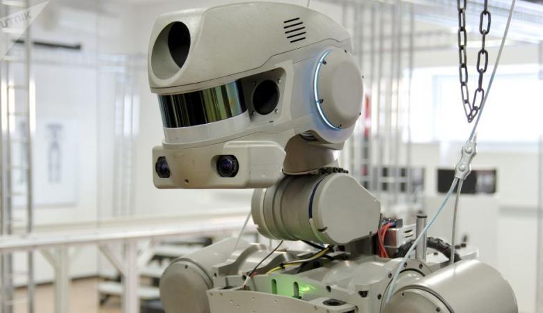 روسيا ترسل روبوتا إلى القمر