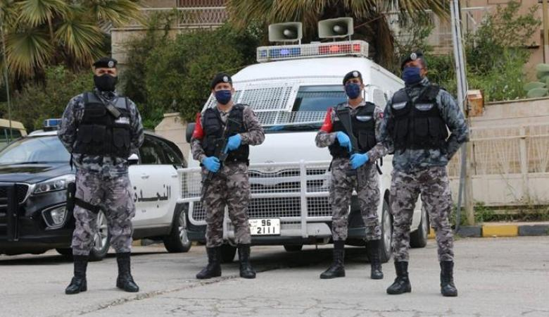 الأردن: قاتل شقيقاته الثلاث يسلم نفسه للأمن العام