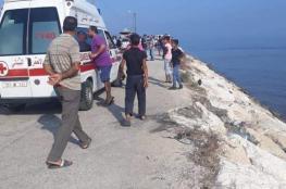 انقاذ عشرات اللاجئيين بعد غرق مركبهم قبالة لبنان
