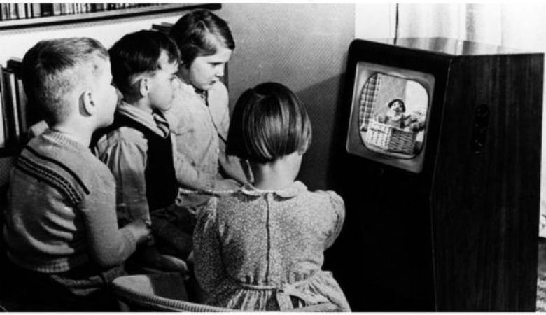 لآلاف لا زالوا يشاهدون التلفزيون الأبيض والأسود في دولة أوروبية