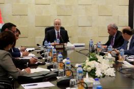 الحمد الله يترأس اجتماعا للجنة الادارية القانونية الخاصة بموظفي غزة