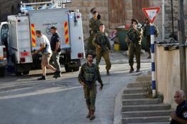 القدس: الاحتلال يعتقل 4 مواطنين بينهم طفل ويبعد آخر والسجن لشاب جريح