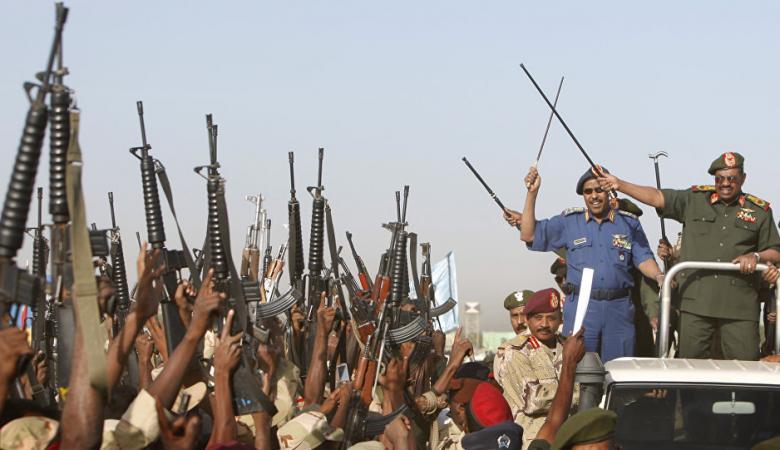 وزير الدفاع السوداني يبلغ نظيره اليمني بوقت انسحابه من الحرب
