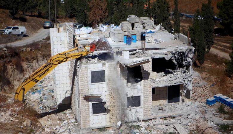 الاحتلال هدم 8 منازل في الخليل خلال ساعات