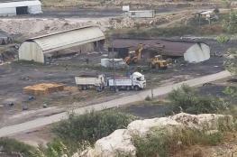 """الاحتلال يهدم ويحرق """"بركسين"""" و8 مشاحر للفحم في يعبد غرب جنين"""