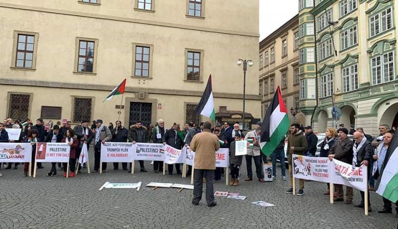 العاصمة التشيكية تشهد مسيرة جماهيرية رفضا لصفقة القرن
