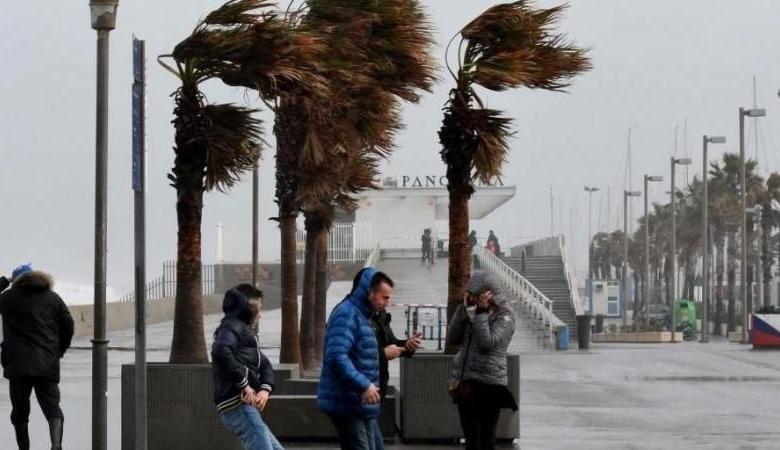 مصرع ثلاثة أشخاص وإغلاق مدارس شرق إسبانيا بسبب عاصفة