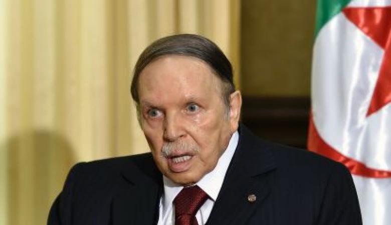 ظهور نادر لبوتفليقة بعد دعوة معارضين لانتخابات مبكرة في الجزائر