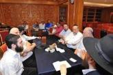 أردني يطرد مستوطنين إسرائيليين من مطعمه