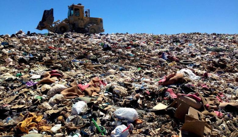 إغلاق موقع لتهريب النفايات الإسرائيلية في بلدة نعلين غرب رام الله