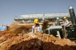 السعودية تعتزم رفع أسعار النفط إلى 60 دولارا في 2017