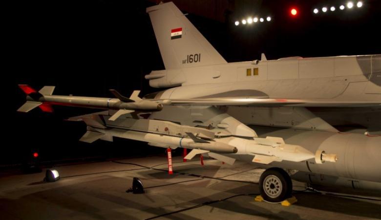 """الجيش العراقي يشن أول غارات ليلية بـ""""إف 16"""" على الموصل"""