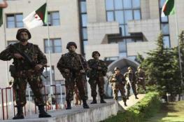 الامن الجزائري يلاحق مدير عام سابق للشرطة