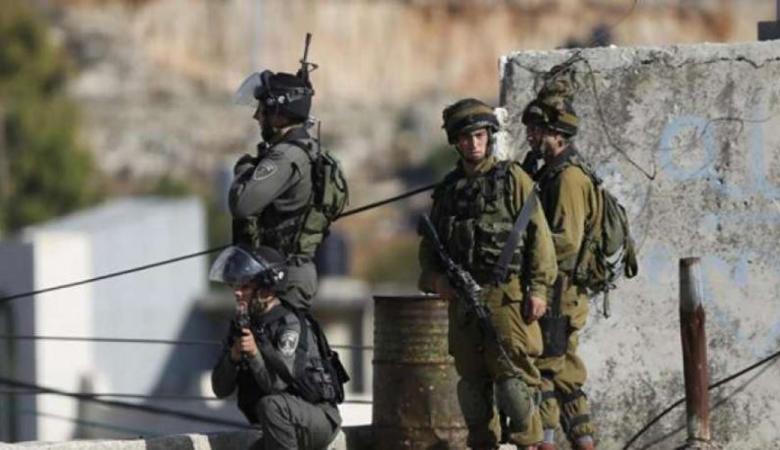 الاحتلال يعتقل اسيرين محررين من جنوب شرق القدس