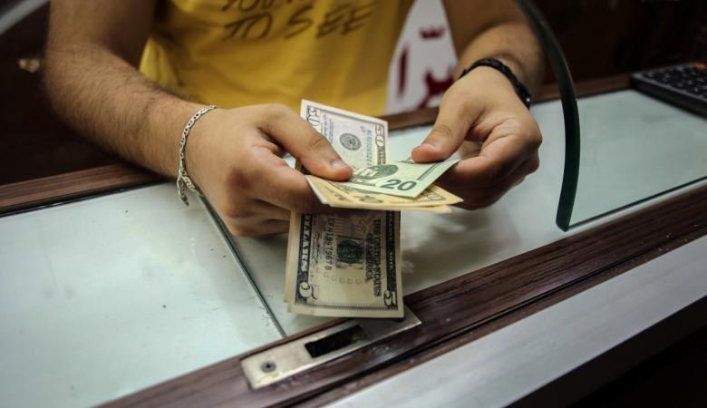 الدولار يواصل ارتفاعه الكبير امام الشيقل