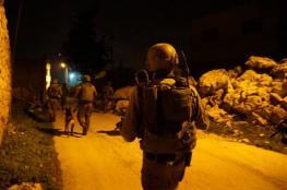 اعتقالات ومداهمات ومصادرة مركبة في الضفة الغربية