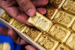 الذهب يهوي لأدنى مستوى له في 6 اشهر