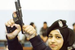 نابلس : القبض على مواطنة عليها مذكرات قضائية بأكثر من 600 الف شيقل