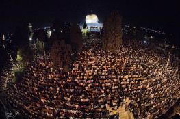 رغم إجراءات الاحتلال.. المسجد الأقصى يفيض بالمصلين من أنحاء الأراضي الفلسطينية