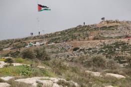 مستوطنون ينصبون خياما فوق جبل صبيح جنوب نابلس