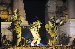 قوة اسرائيلية تعتقل 3 شبان من بلدة بيتا جنوب نابلس