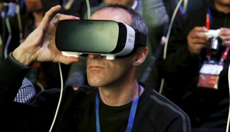 """HTC"" تطلق خوذا جديدة للعالم الافتراضي"