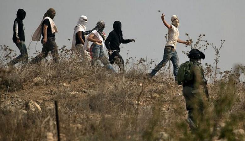 """مسؤولون إسرائيليون: الجيش يستسلم امام  """"فتية التلال """""""