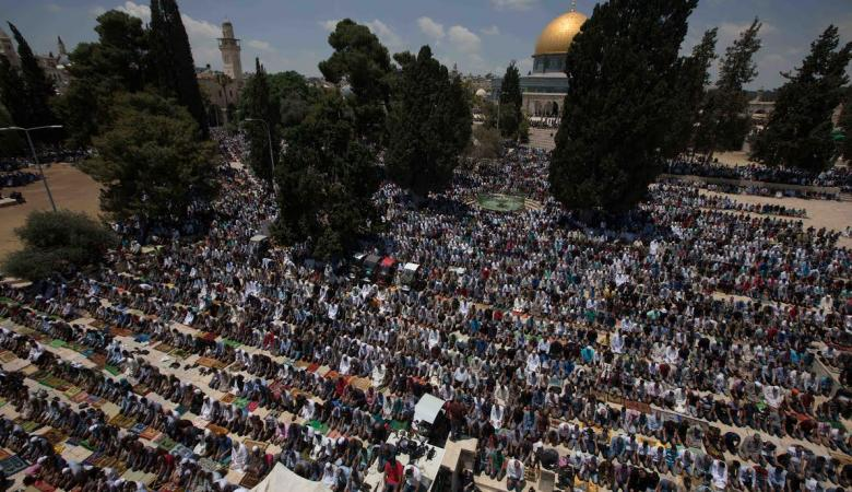 120 ألف مصل يؤدون صلاة الجمعة الأولى من رمضان في المسجد الأقصى المبارك
