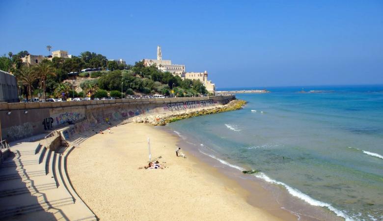 """""""إسرائيل"""" تعيد افتتاح الشواطئ غدا الأربعاء"""