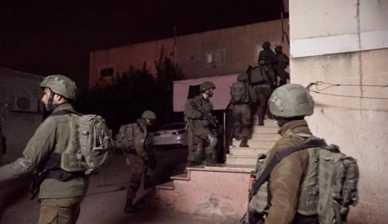 الاحتلال يعتقل مواطنا غرب بيت لحم
