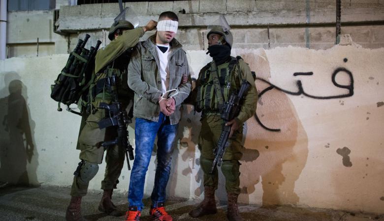 """""""اسرائيل """" تزعم اعتقال خلية فلسطينية كانت تجهيز لتنفيذ عملية في القدس"""