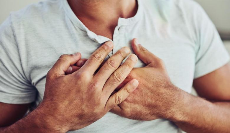 الموت المفاجئ ..طبيب يوجه رسالة للشباب بشأن السكتة القلبية