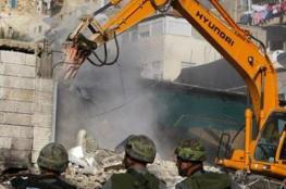 الاحتلال يخطر بهدم مسجد و16 مسكنا في مسافر يطا