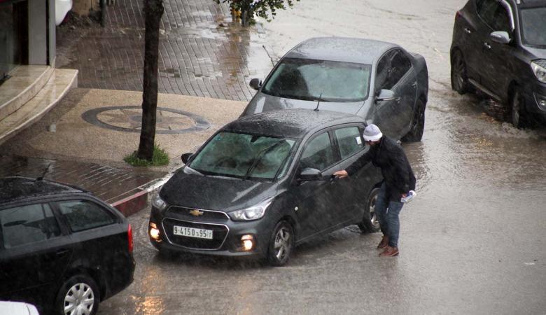 حالة الطقس : اجواء باردة وزخات متفرقة من الأمطار على معظم المناطق