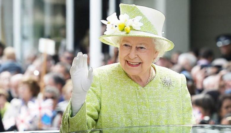 الفئران تثير ذعر الملكة إليزابيث