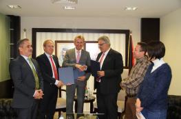 اتفاقية لتطوير البنية التحتية للمياه في محافظة نابلس
